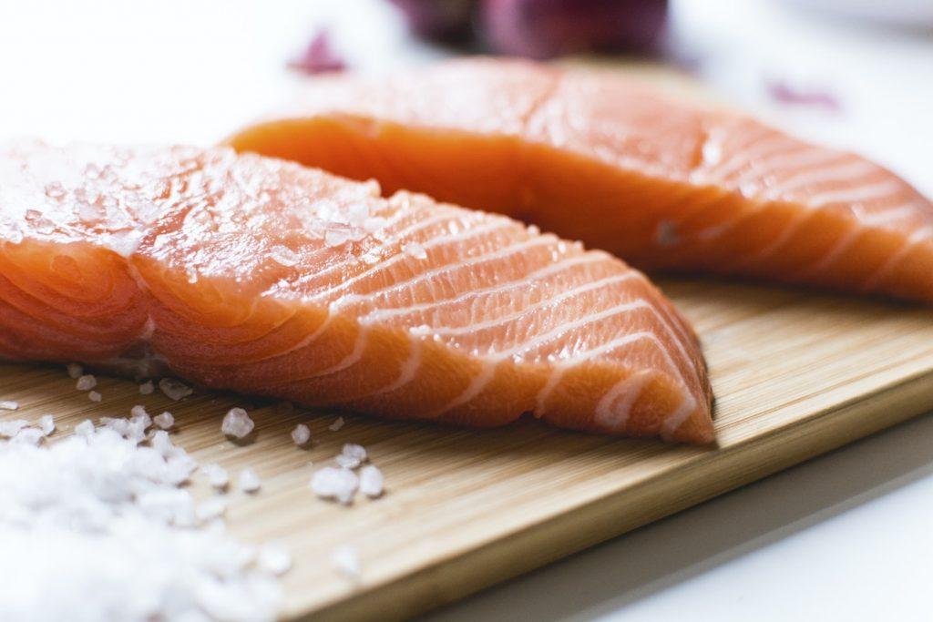 segudang manfaat ikan salmon