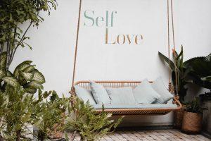 cintai diri sendiri adalah tips sehat di usia muda