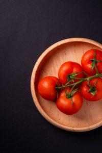 Tomat membantu wajah glowing